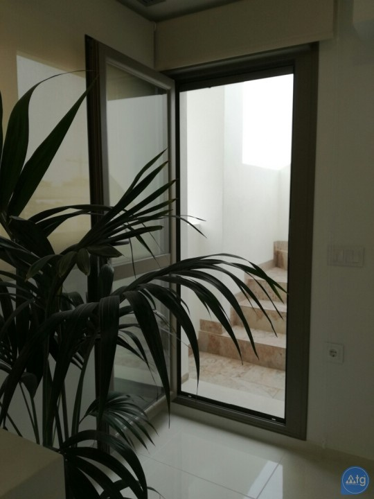 Villa de 3 chambres à San Miguel de Salinas - LH116451 - 12