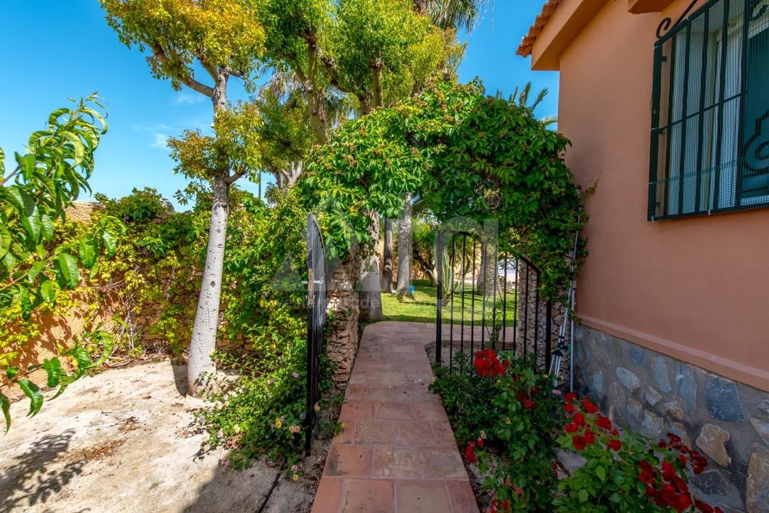 Villa de 5 chambres à Torrevieja - B2298 - 36