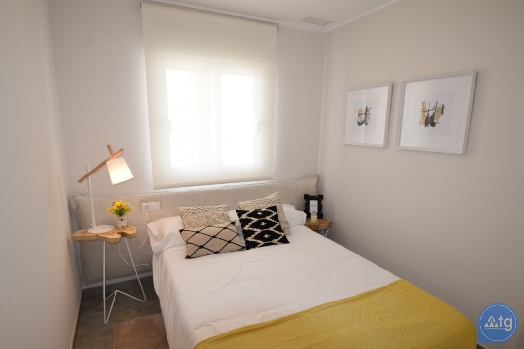 5 bedroom Villa in Cabo Roig  - AG9351 - 12
