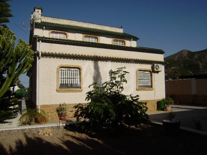 4 bedroom Villa in Los Montesinos - GEO8336 - 4