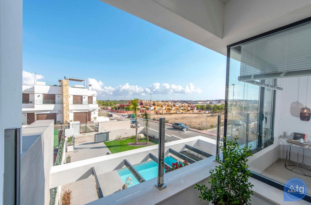 3 bedroom Villa in Orihuela Costa - HH6409 - 11