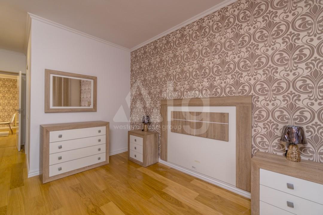 5 bedroom Villa in Punta Prima  - B1019 - 11