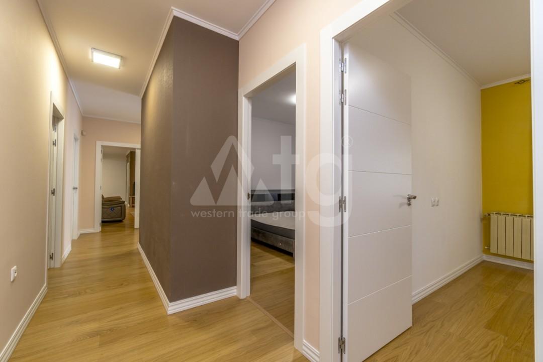 5 bedroom Villa in Punta Prima  - B1019 - 13