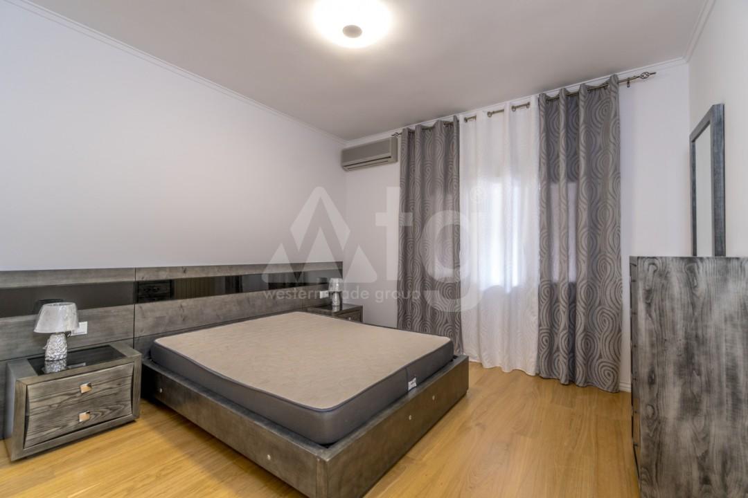 5 bedroom Villa in Punta Prima  - B1019 - 14