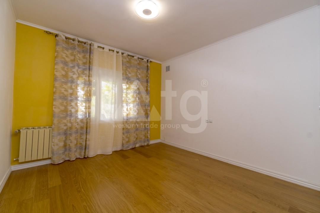 5 bedroom Villa in Punta Prima  - B1019 - 16