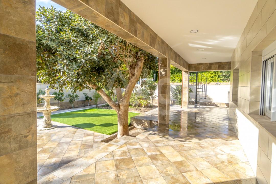 5 bedroom Villa in Punta Prima  - B1019 - 22