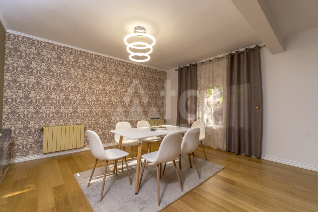 5 bedroom Villa in Punta Prima  - B1019 - 4