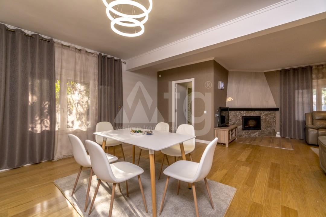 5 bedroom Villa in Punta Prima  - B1019 - 5