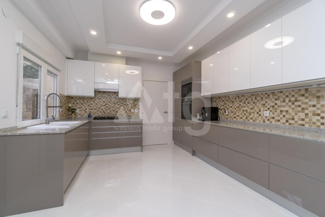 5 bedroom Villa in Punta Prima  - B1019 - 7