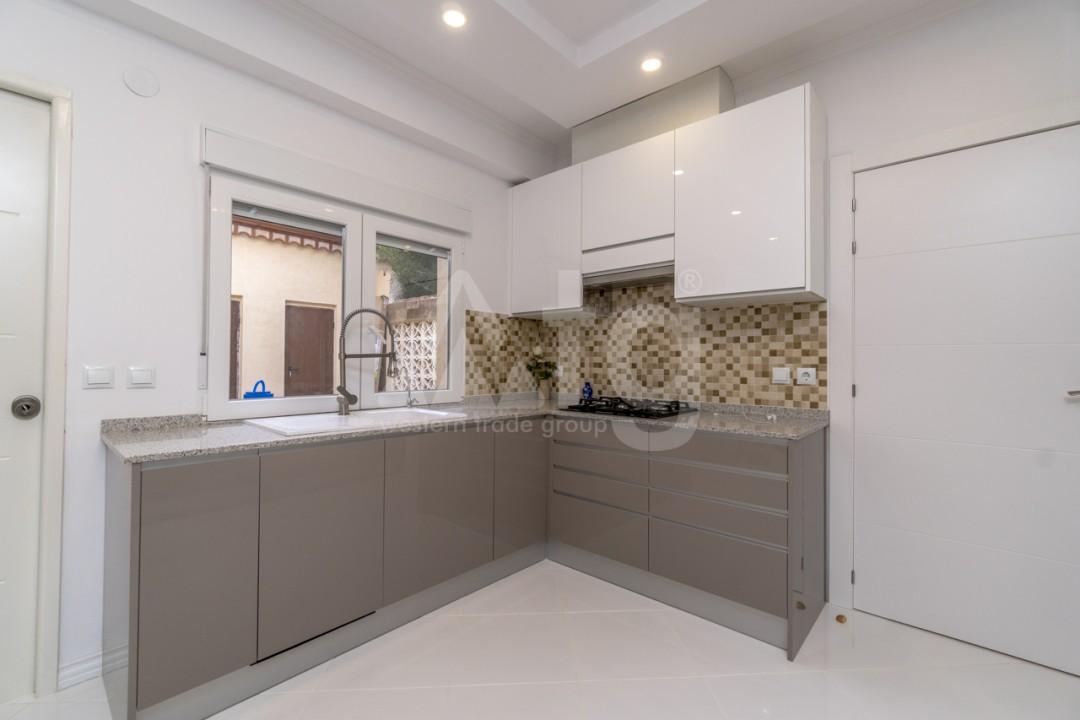 5 bedroom Villa in Punta Prima  - B1019 - 9