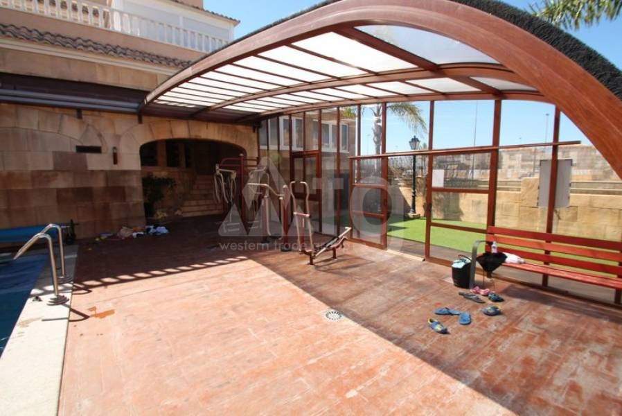 Villa de 3 chambres à Dehesa de Campoamor - AGI8582 - 12