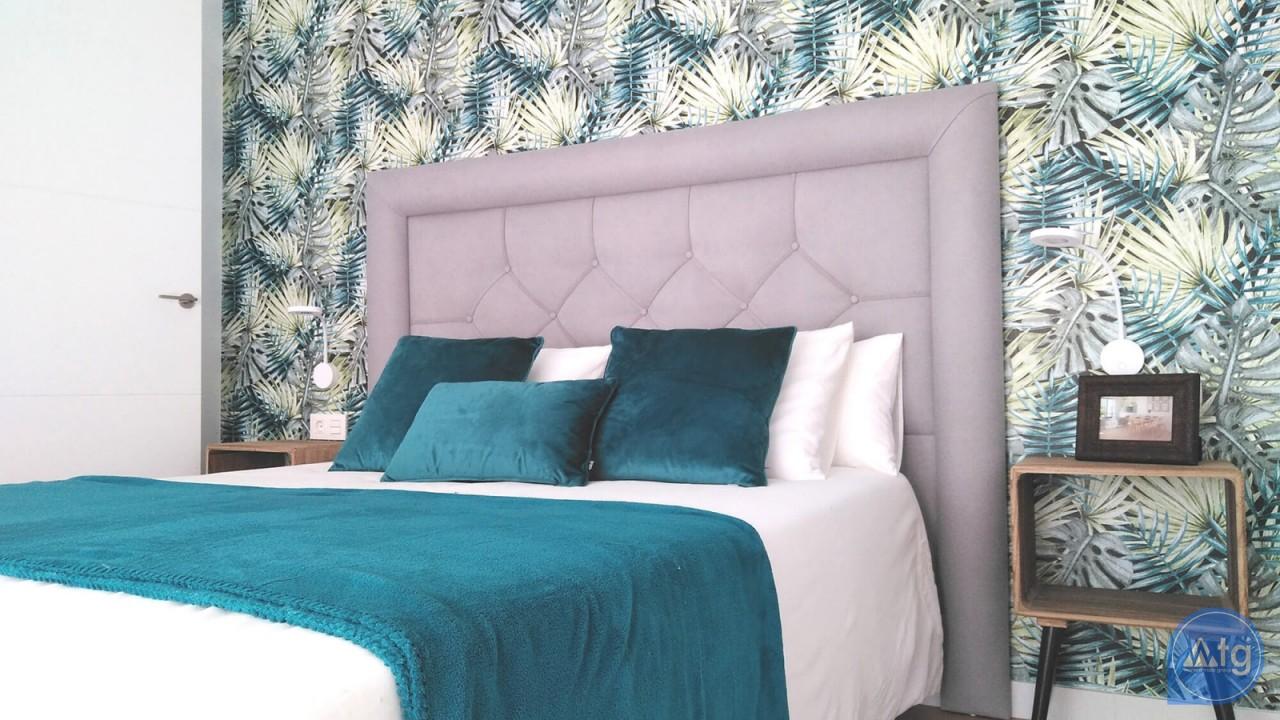 Villa de 4 chambres à Torrevieja - VR6702 - 16