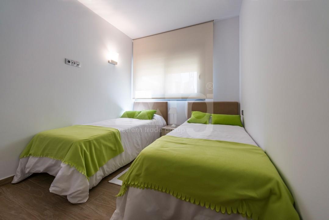 3 bedroom Apartment in Torrevieja - IR8061 - 10
