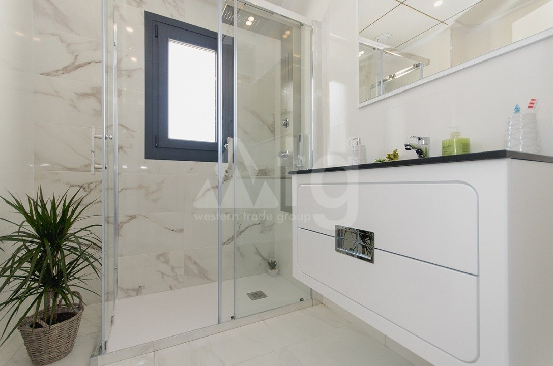 4 bedroom Villa in Guardamar del Segura  - AT115167 - 13