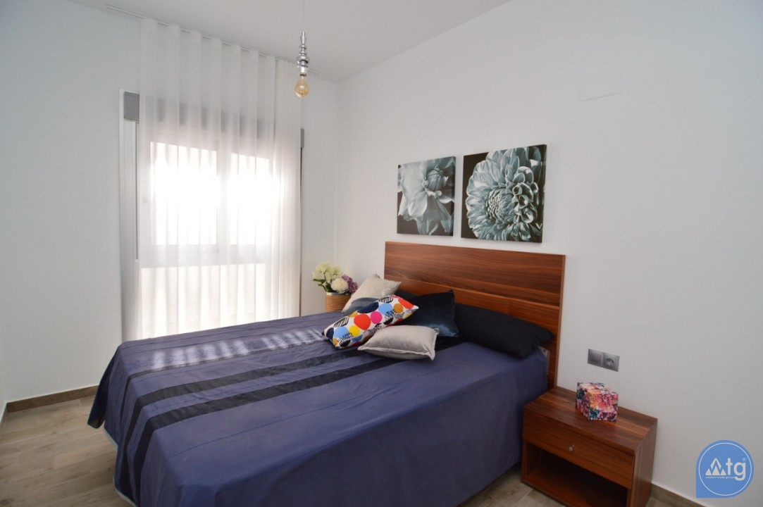 4 bedroom Villa in Polop  - MH115815 - 11