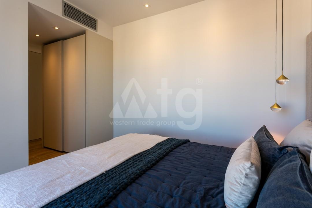 3 bedroom Penthouse in Punta Prima  - TRI117466 - 15