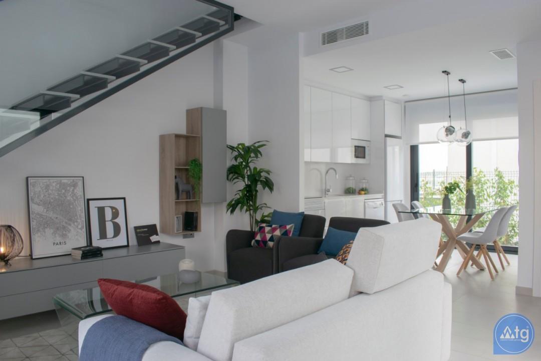 4 bedroom Villa in Torrevieja  - AG9579 - 12