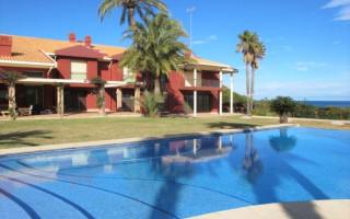 10 bedroom Villa in Denia  - TT101048