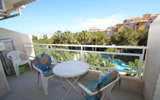 2 bedroom Apartment in Dehesa de Campoamor  - CRR80926182344