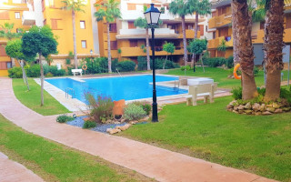 2 bedroom Apartment in Punta Prima  - CBH6277