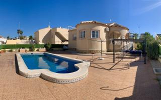 2 Schlafzimmer Villa in La Marina  - BEV1113530