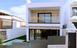3 bedroom Townhouse in Torrevieja  - US115931
