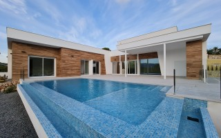 3 bedroom Townhouse in Torrevieja  - US115942