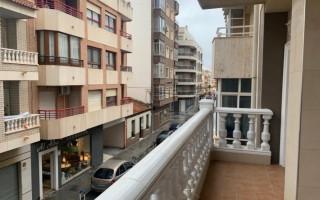 3 bedroom Apartment in Torrevieja  - TT101329