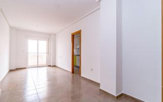 3 bedroom Apartment in Torrevieja  - W1117717