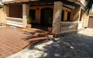 3 bedroom Townhouse in Torrevieja  - W1116656
