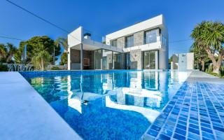 3 bedroom Villa in Torrevieja - IR6782