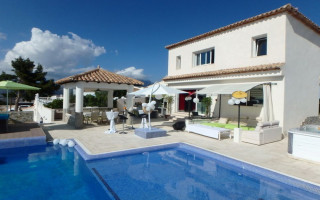 4 bedroom Villa in La Nucia  - CGN183237