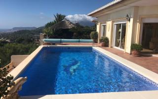 4 bedroom Villa in Moraira  - W119676