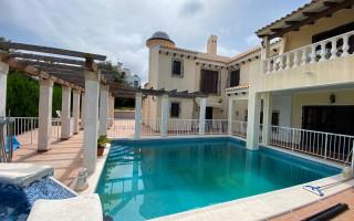 4 bedroom Villa in Playa Flamenca  - W1116640