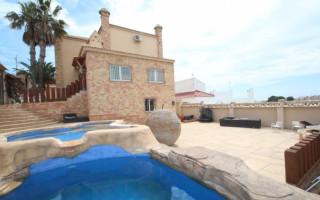 4 bedroom Villa in San Miguel de Salinas  - CRR37294342344