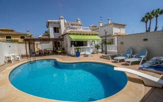 4 Schlafzimmer Villa in La Zenia  - B1111