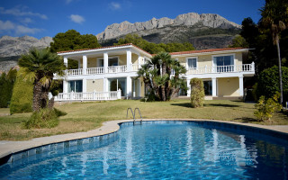 5 bedroom Villa in Altea  - CGN183647
