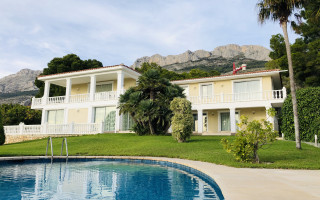 5 bedroom Villa in Altea  - W1110238