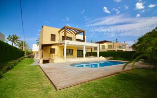 5 bedroom Villa in Cabo Roig  - W1116658