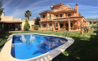 5 bedroom Villa in El Campello  - TT100098