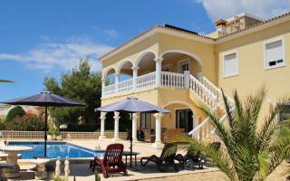 5 bedroom Villa in La Nucia  - CGN177650