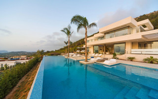 6 bedroom Villa in Javea  - MLC1112365