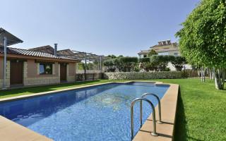 8 bedroom Villa in Algorfa - W5042