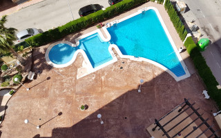Apartamento de 2 habitaciones en Torrevieja  - CBH483