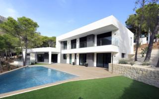 Apartamento de 3 habitaciones en Torrevieja  - ERF115827