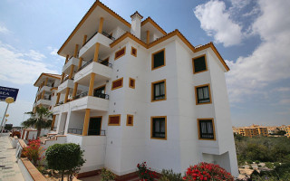 2 bedroom Apartment in Playa Flamenca  - TR114379