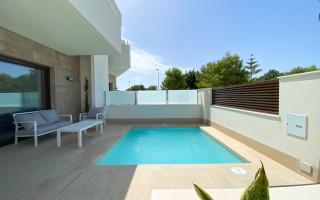 Appartement de 2 chambres à Torrevieja - AGI115587