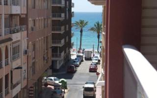Appartement de 2 chambres à Torrevieja - AGI8529