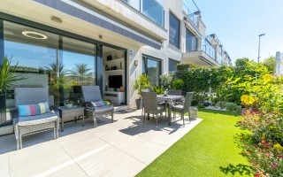 Appartement de 2 chambres à Torrevieja - AGI115592