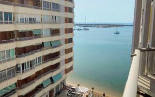 Appartement de 3 chambres à Torrevieja - AG8500